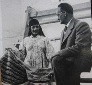 Ramses discussing with Karima her completed tapestry, RWWAC 1962.
